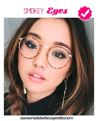 maquillaje para chicas con lentes smokey eye ojos
