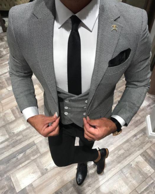 Cómo combinar una camisa blanca chaleco corbata