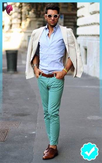 Como combinar un pantalón turquesa con una camisa celeste