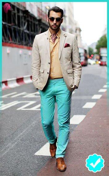 como combinar un pantalón turquesa con color hueso
