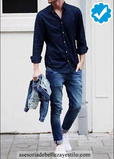 Como combinar un pantalón azul de hombre con camisa azul marino